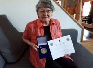 2020-04-22_Diane_Bleau_Medaille et certificat