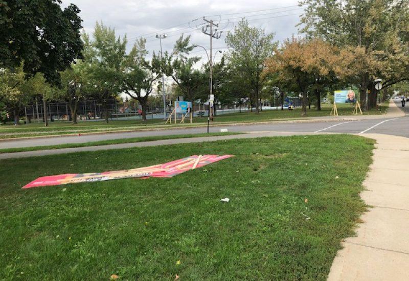 Coalition Longueuil a porté plainte pour des pancartes volées et vandalisées.