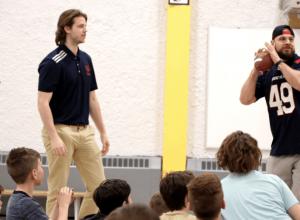 Les Allouettes visitent des étudiants