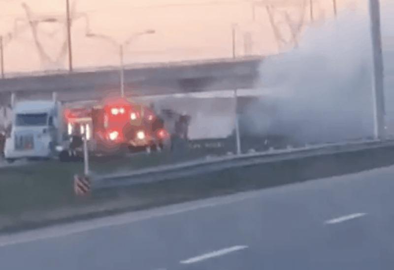 Un camion remorque a pris feu sur l'A 30.