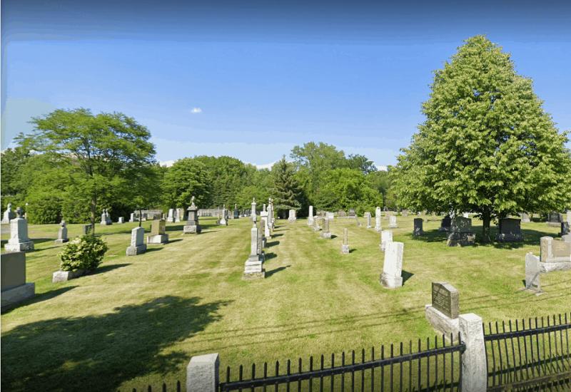 Vandalisme dans un cimetière de Mont-Saint-Hilaire