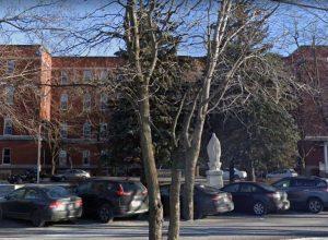Six autres cas de COVID-19 au Collège Durocher.
