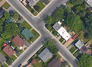 Greenfield Park : un arrêt dangereux aux coins des rues Maple et Fairfield