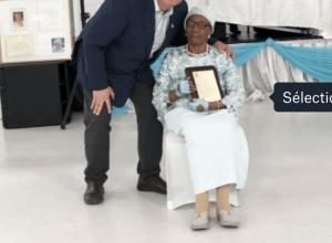"""Le maire souhaite """"un joyeux anniversaire"""" à une laprairienne qui fête ses 100 ans."""