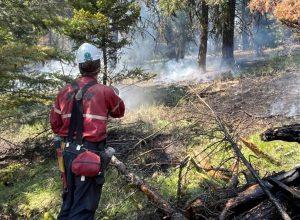 SOPFEU : 40 pompiers québécois aident l'ouest du Canada