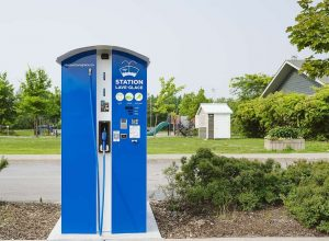 Une station de lave-glace en libre-service à La Prairie