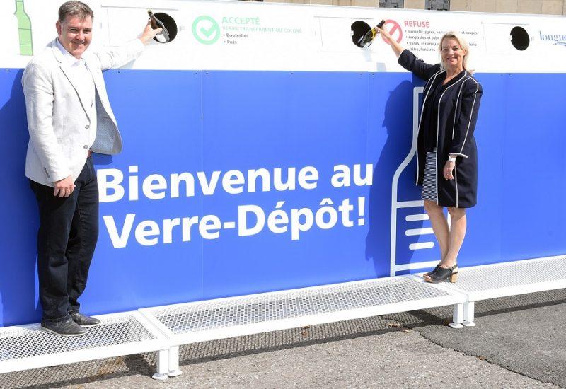 Longueuil installe ses nouveaux Verre-dépôts