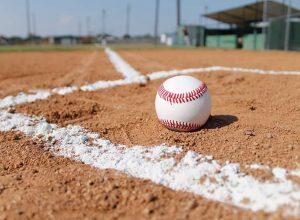 Longueuil sert une leçon de baseball à Coaticook