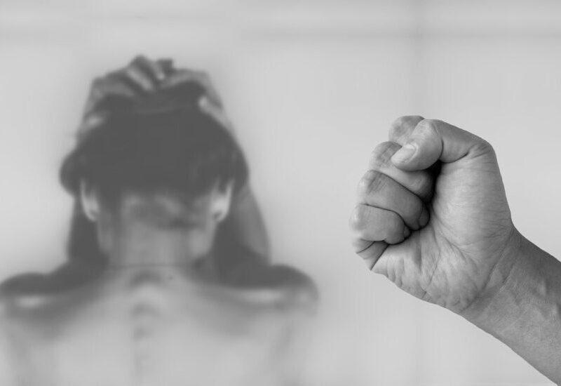 En plus de la pandémie, le Québec fait face à une vague de féminicides. (Photo: Pixabay)